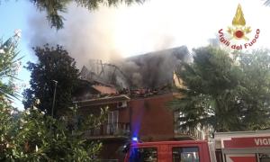 Esplosione a Torre Angela: tre feriti